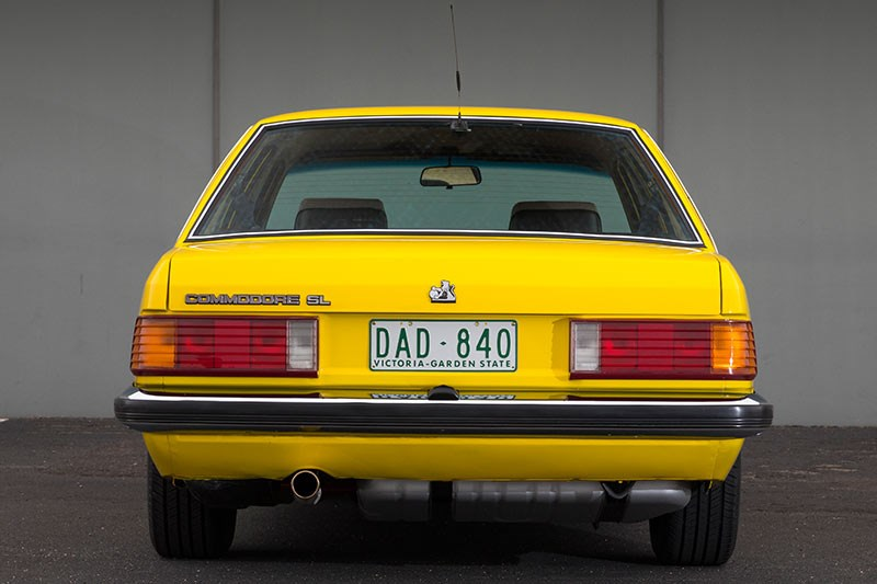 holden commodore vh rear