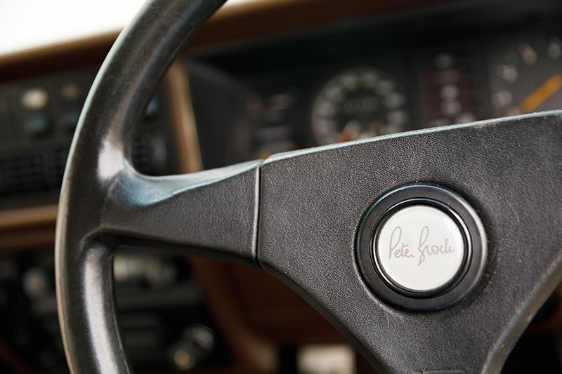 holden commodore vh steering wheel