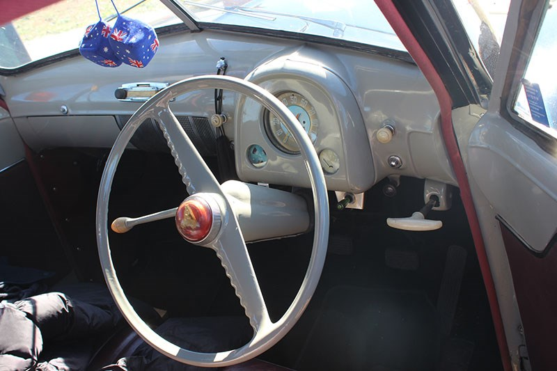 holden 48 215 dash