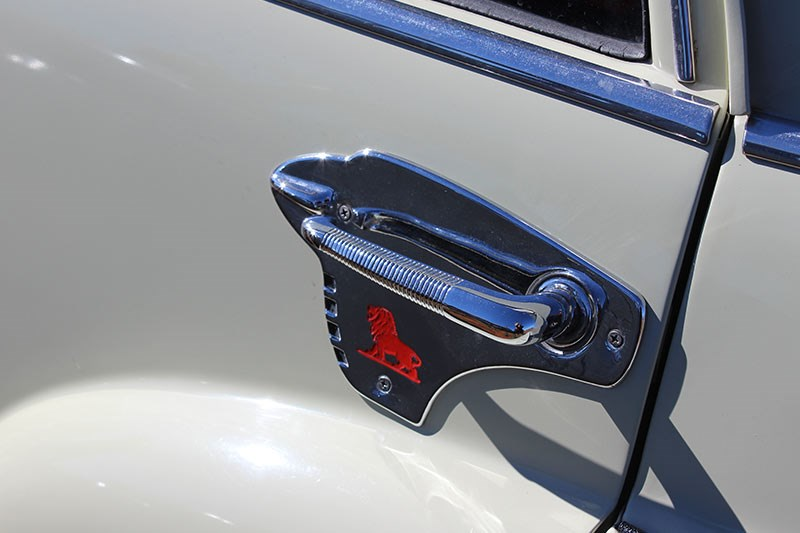 holden fj doorhandle