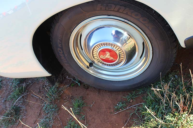 holden fj wheel