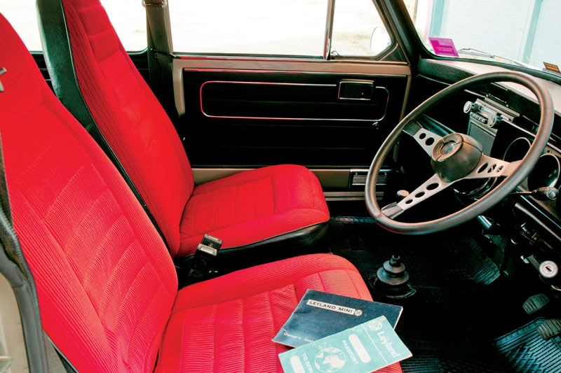 leyland mini clubman interior