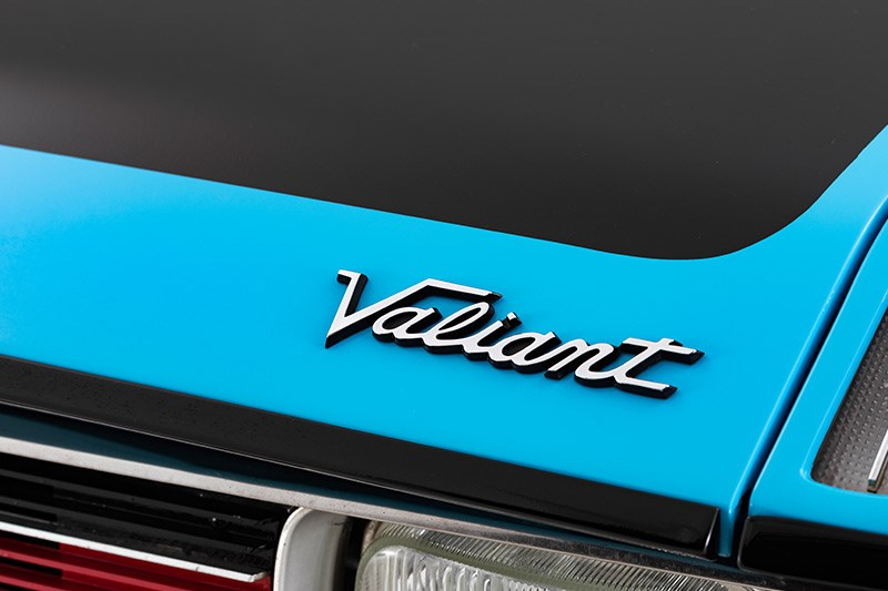 valiant hemi badge 2
