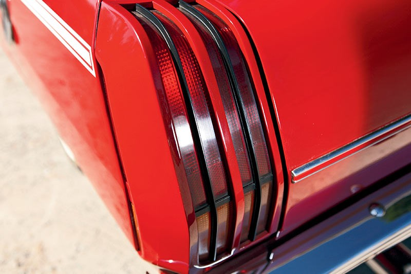 valiant pacer tail light 2