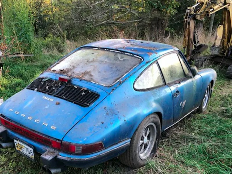 Barn find 911 uncovered rear