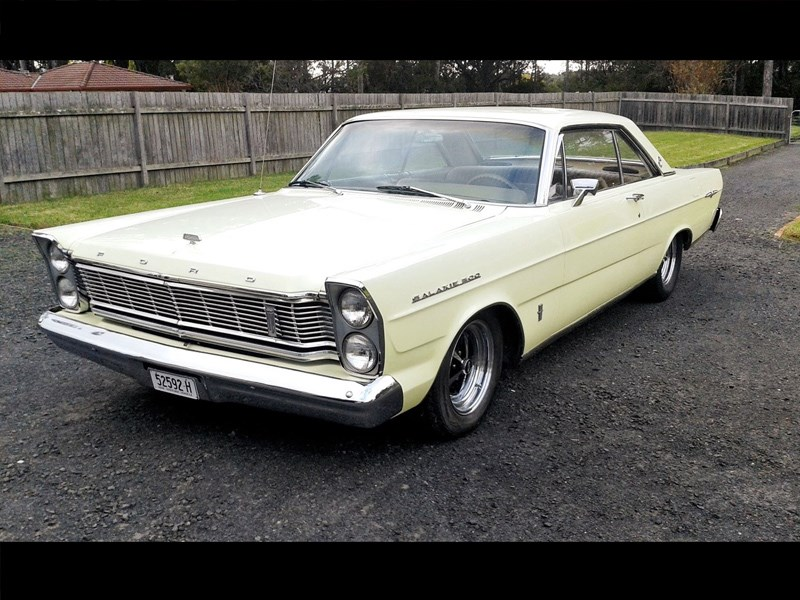 Ford Galaxie front