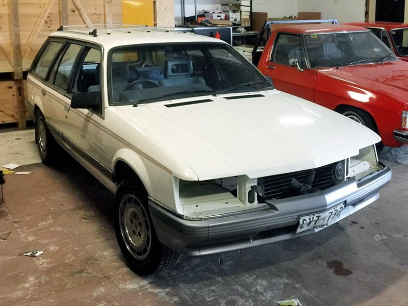 Holden VK Wagon Project front