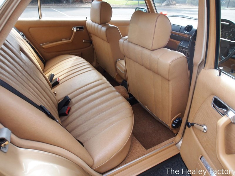 W123 Merc interior rear
