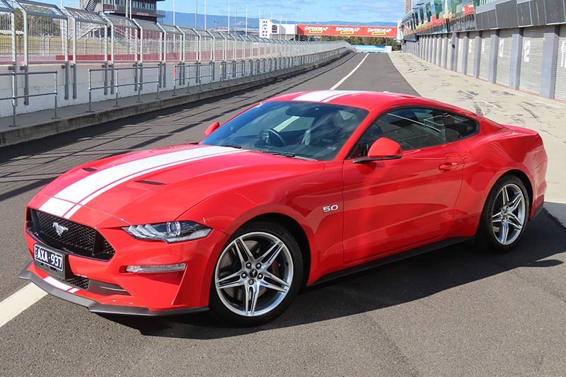 ford mustang at bathurst