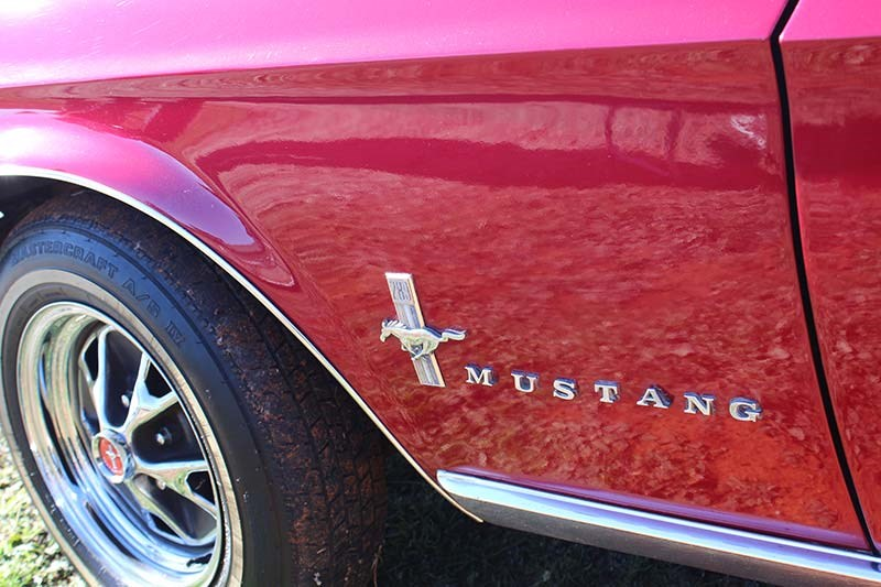 ford mustang badge 2