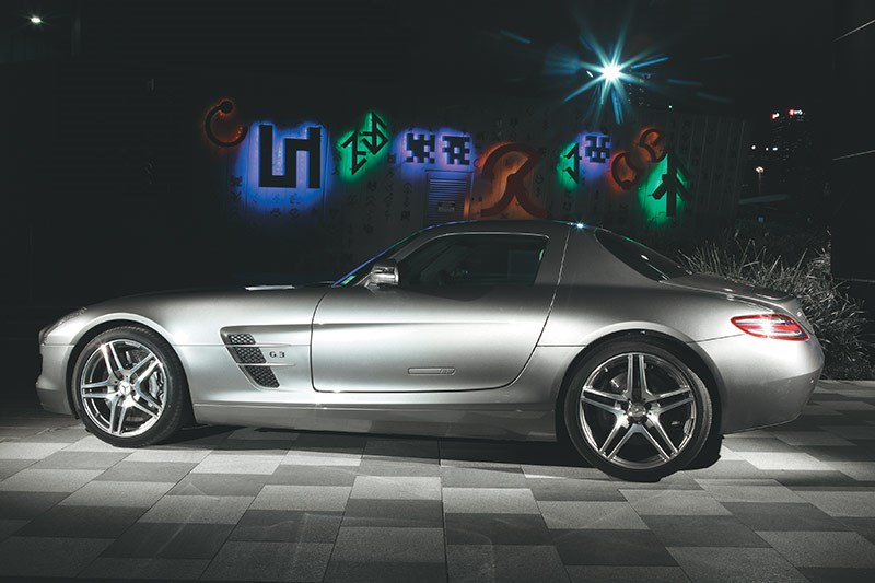 mercedes benz sls amg side