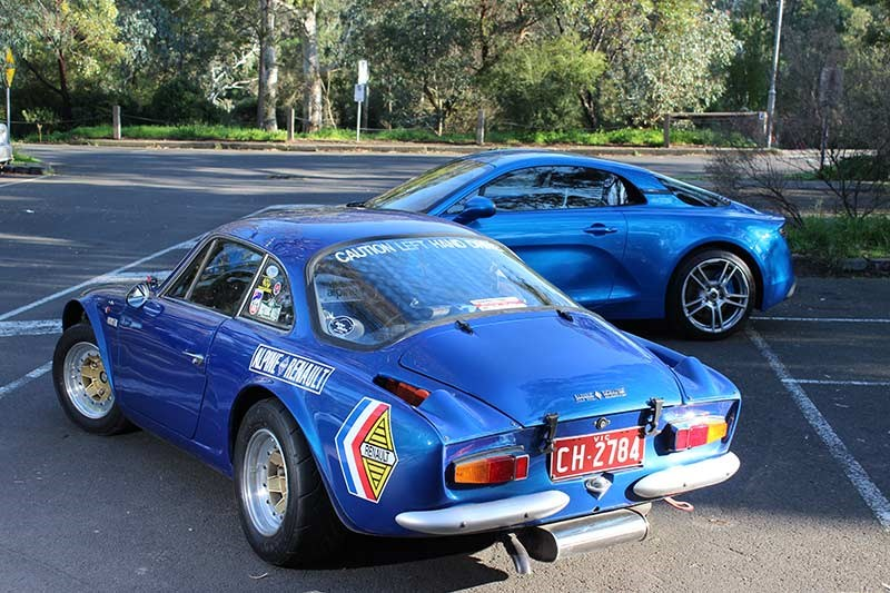 renault alpine comparison 2