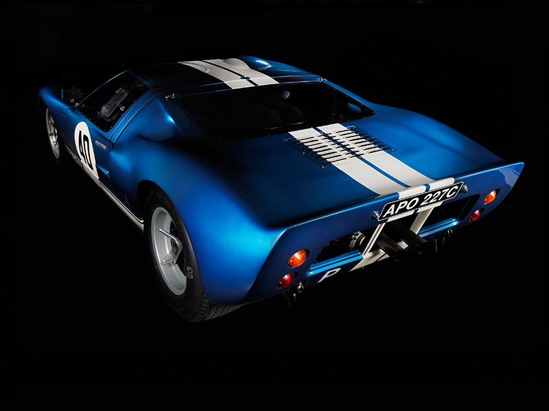 Ford GT40 rear side