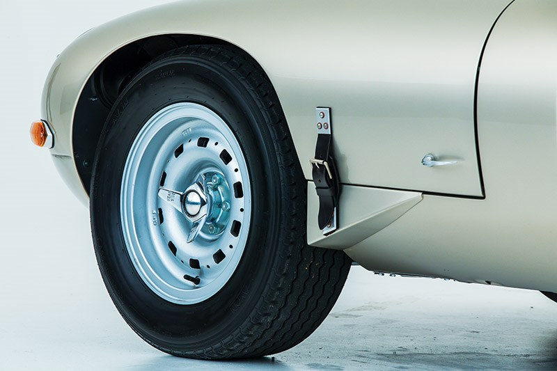 jaguar etype lightweight front wheel