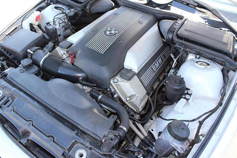 bmw 540 e39 engine bay