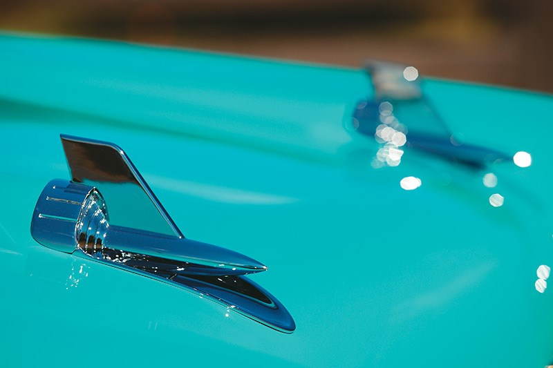chev bel air bonnet