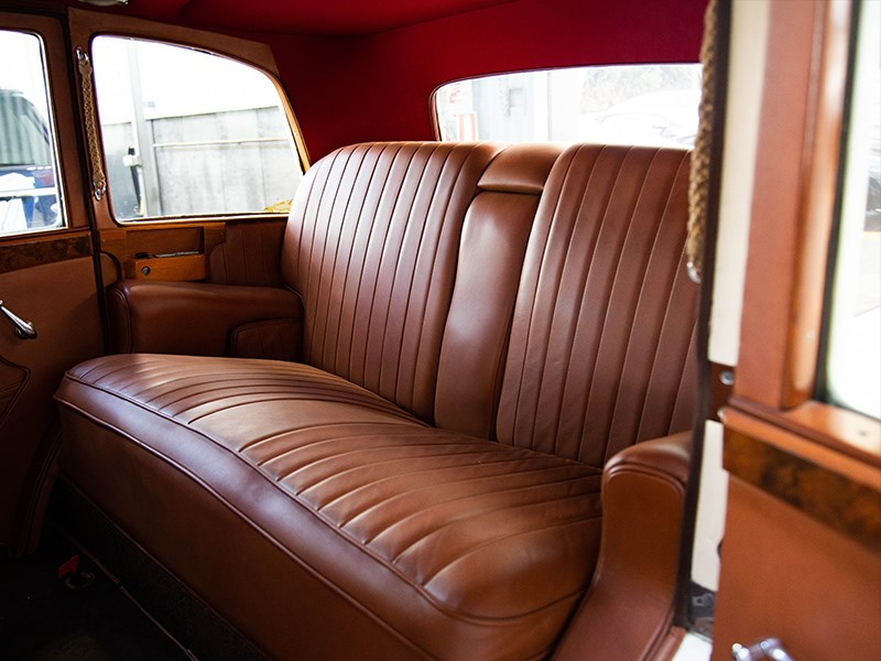 1927 Rolls Royce Lorbek interior rear