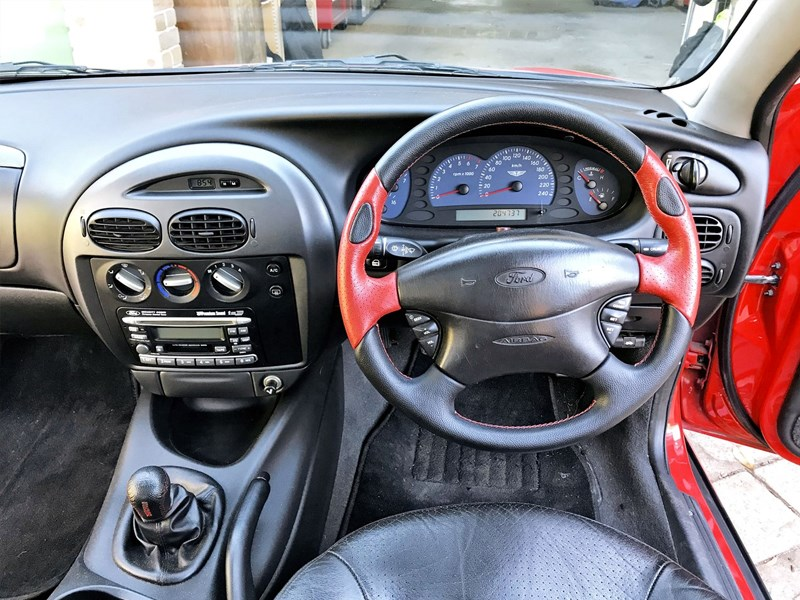 AUII XR8 tempter interior