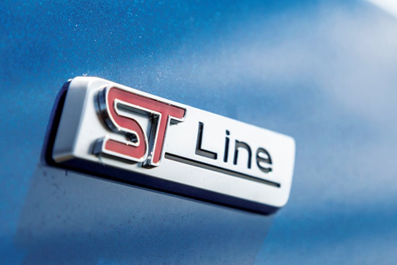 ford focus st line badge