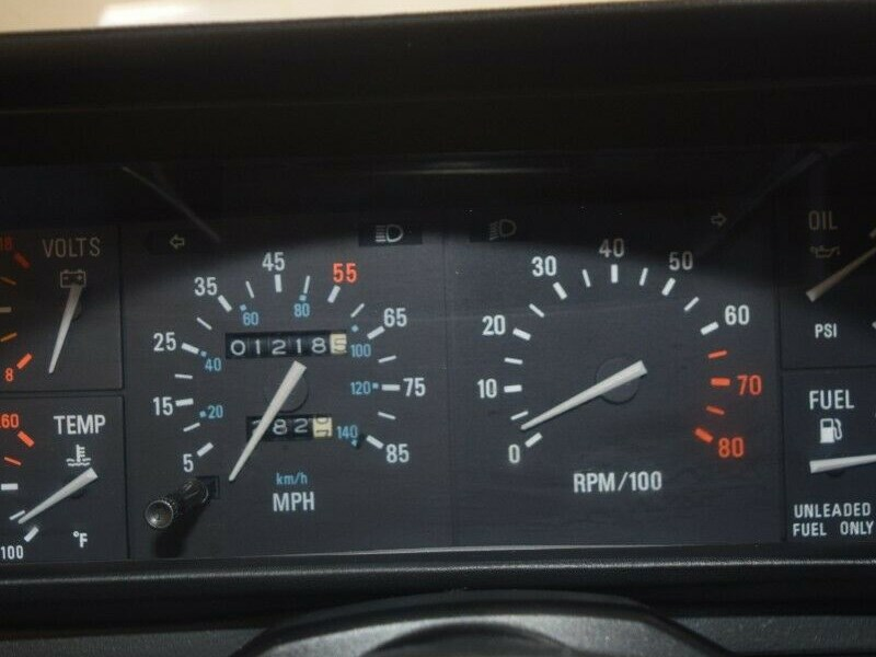 1200 mile delorean interior odometer
