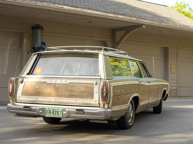 Country Squire Wagon 428 rear side
