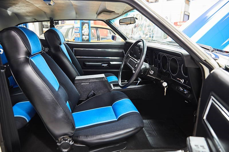 ford falcon xc cobra interior