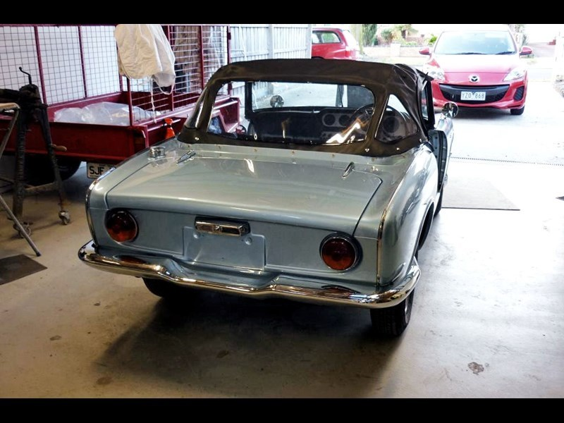 Honda S600 rear side garage