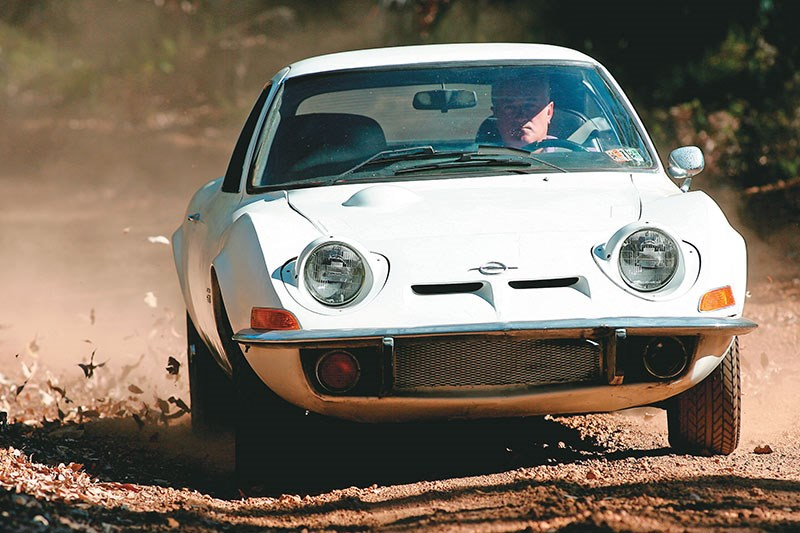 opel gt driving front