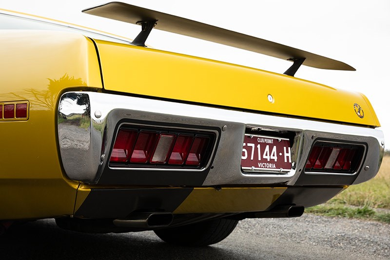 plymouth road runner rear wing 2