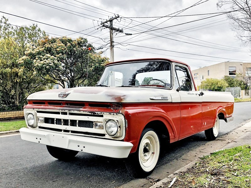 1961 F100 front other side