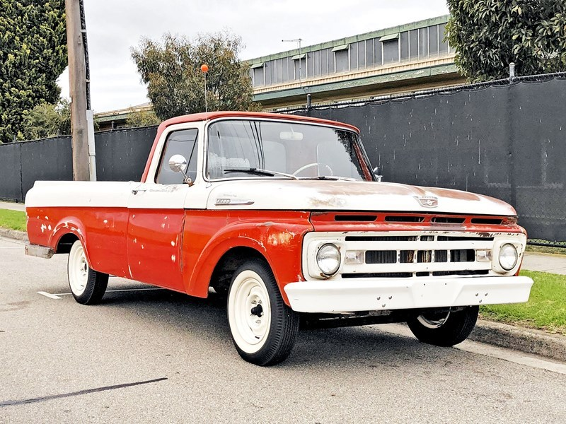 1961 F100 front side