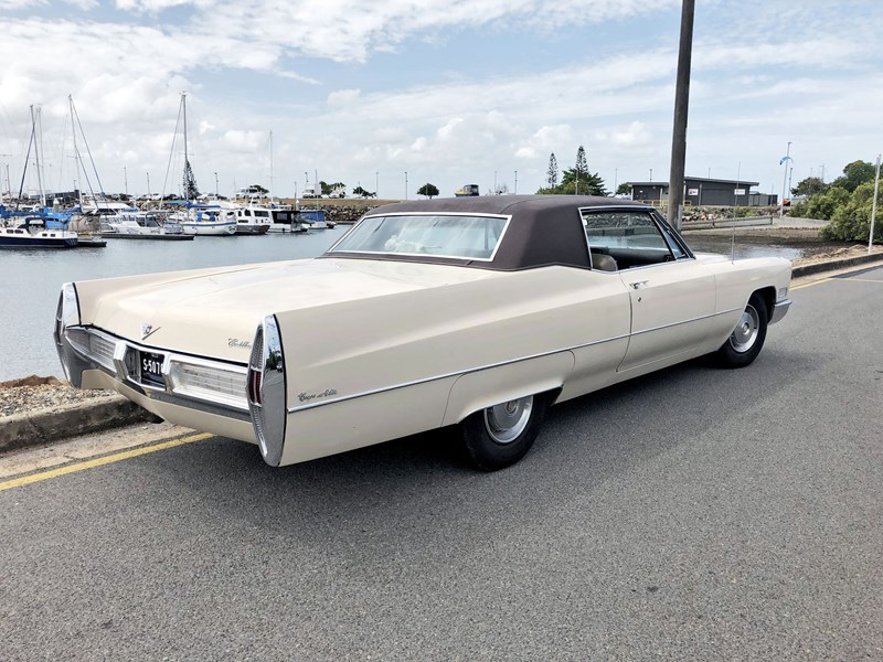 Cadillac coupe deville rear side