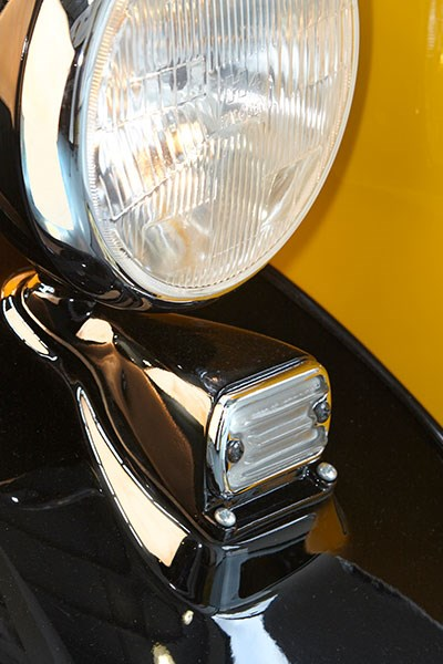 morris j van headlight 2