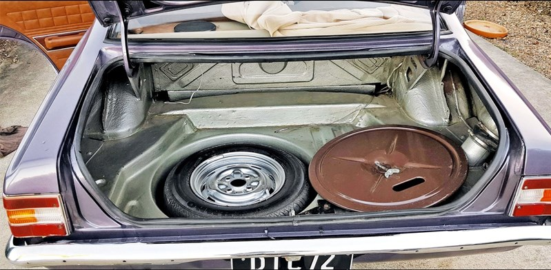 Ford Cortina TC boot