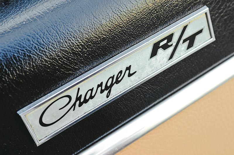 bathurst e38 charger badge