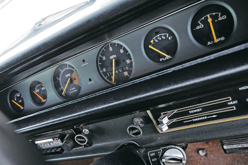 bathurst e38 charger dash