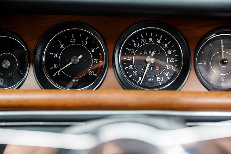 bmw coupe gauges 2
