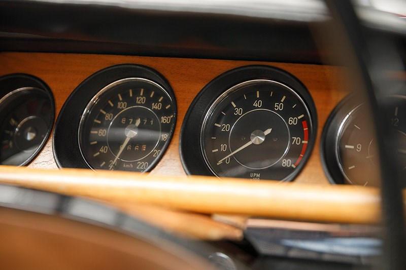 bmw coupe gauges