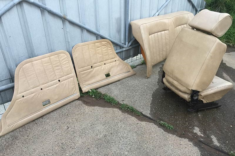 holden vb commodore seats 2