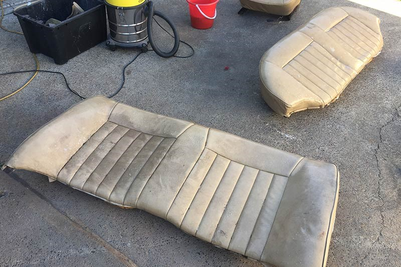 holden vb commodore seats 4