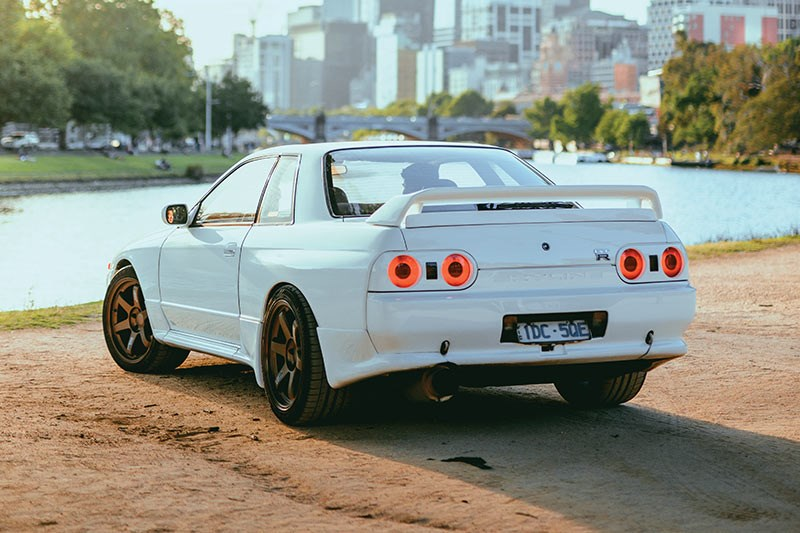 nissan skyline gtr rear