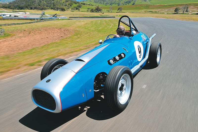 special delivery holden racecar ontrack 6