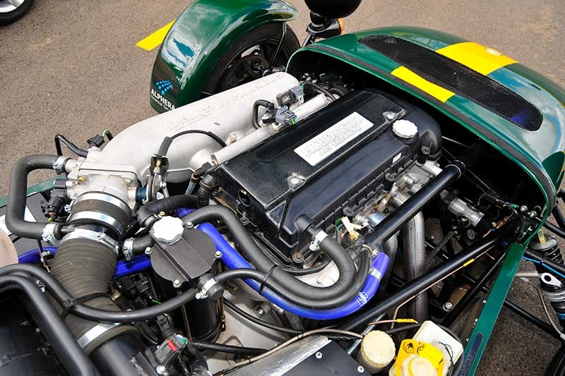 caterham svr 200 engine bay