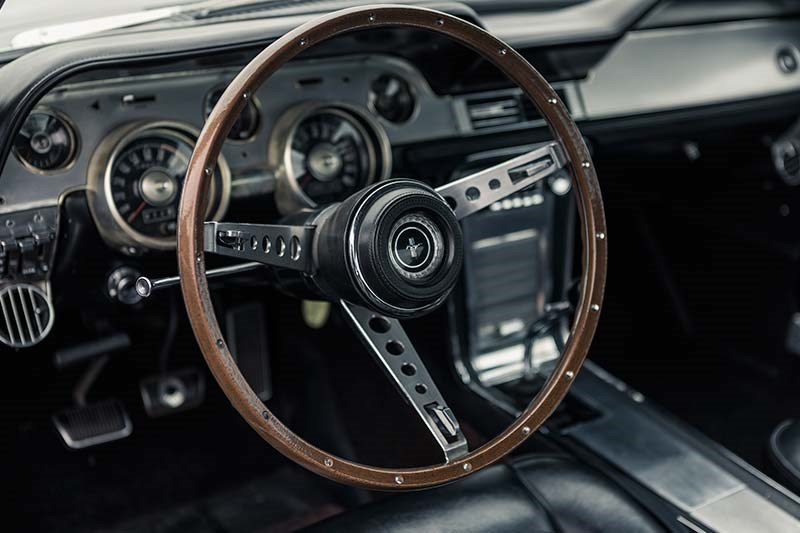 1967 FORD MUSTANG GT390 FOUR SPEED dash