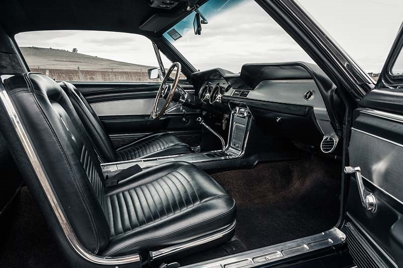 1967 FORD MUSTANG GT390 FOUR SPEED interior