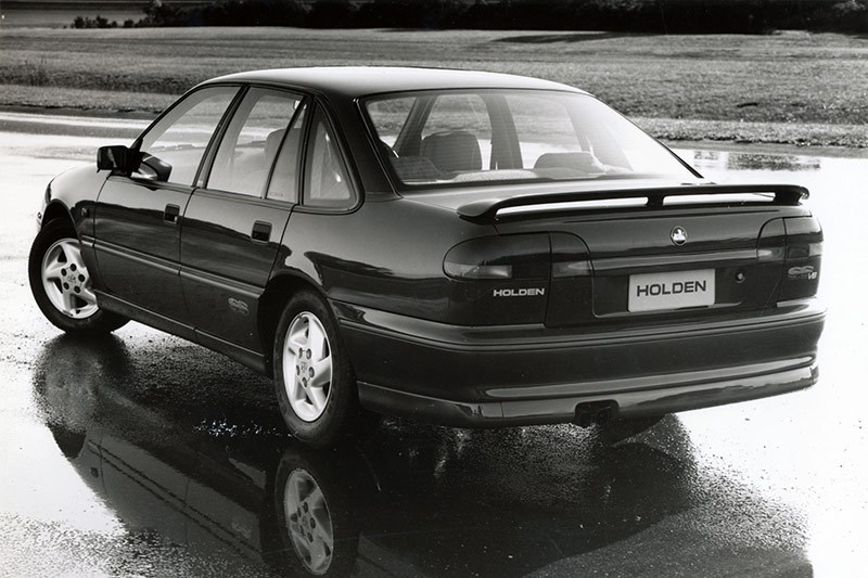 1993 Holden Commodore VR SS 01