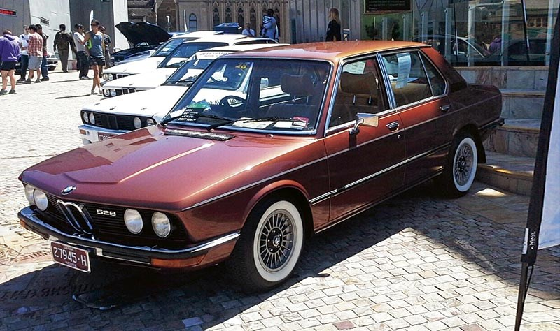 James Heaney's 1975 BMW 528 E12