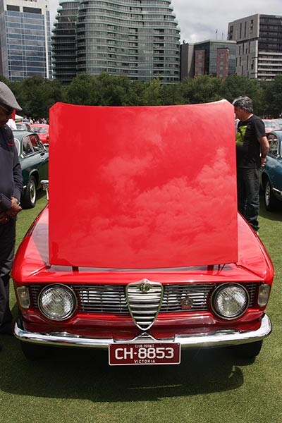 Alfa Romeo 105 GTC bonnet up