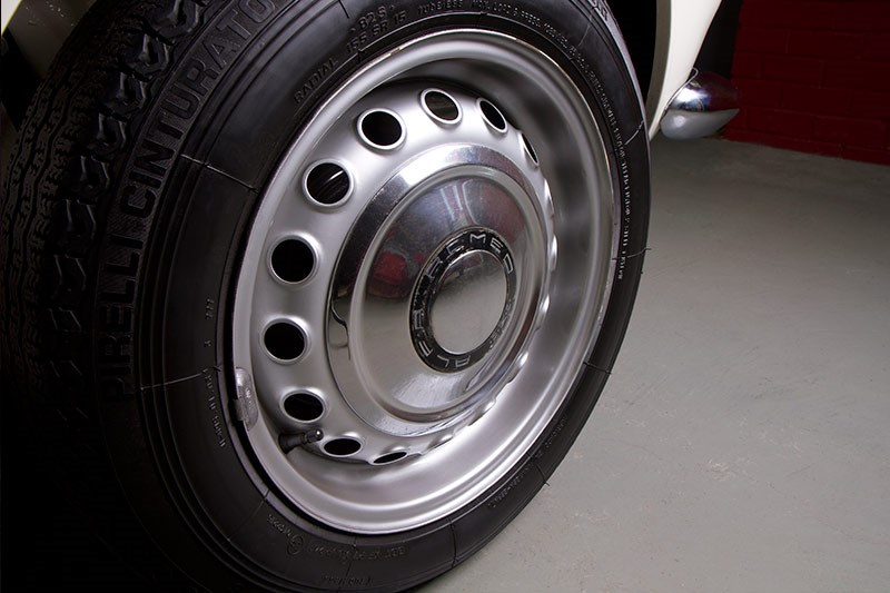 Alfa Romeo 105 wheel