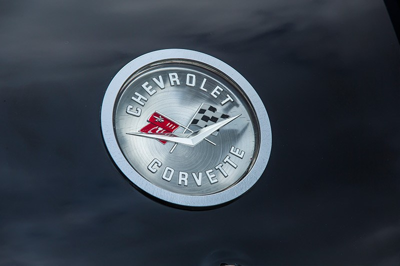 Chevrolet Corvette C1 badge